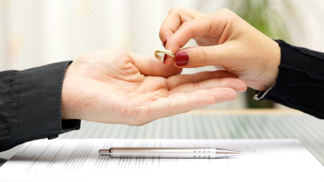 boşanma yolları neler, boşanmayı engellemesi boşanma nasıl engellenir